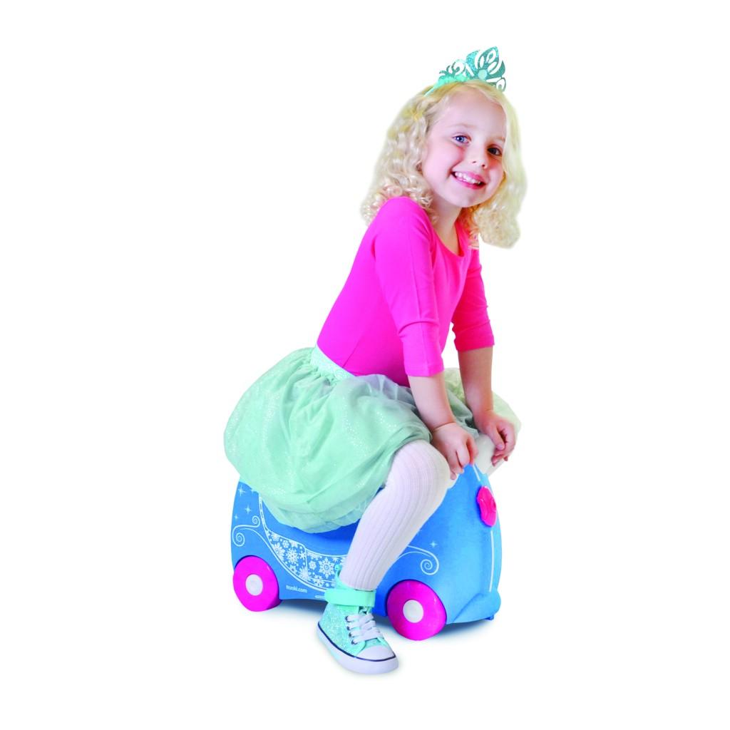 trunki-lovelyfamilies-pink-blue